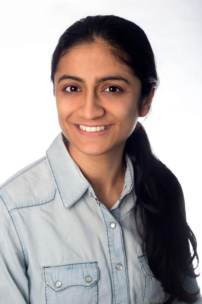 Nayantara Nambiar, Avaz